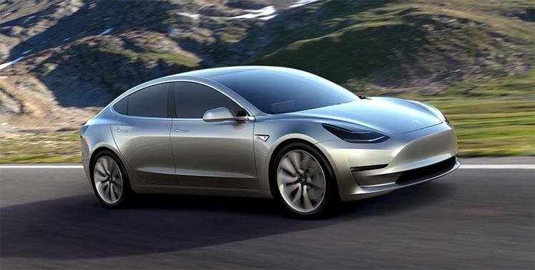 Chiếc sedan Model 3 của Tesla là một trong những chiếc xe hơi tự lái gây chú ý nhất trong thời gian qua
