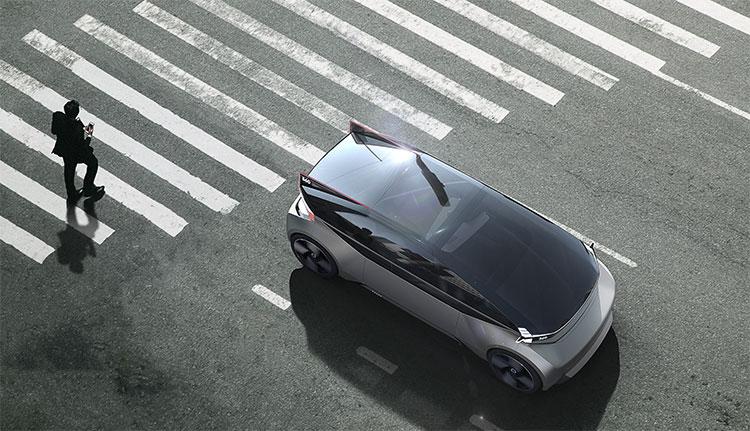 Hệ thống đèn báo và còi hiệu giúp người đi đường và những xe khác đang lưu thông có thể nhận biết và tránh né