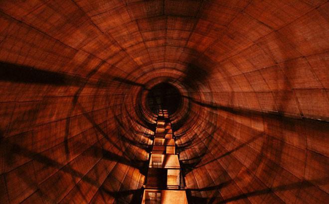 Đường hầm dài 21 km của máy gia tốc hạt cỡ lớn do Liên Xô xây dựng nằm gần Mátxcơva