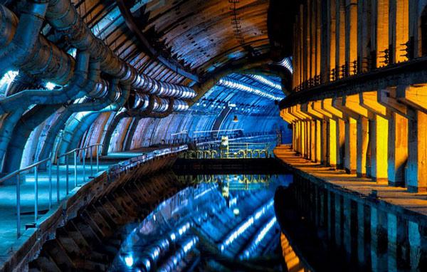 Bên trong căn cứ tàu ngầm dưới lòng đất Objekt-825 GTS