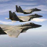 Máy bay chiến đấu đốt hết bao nhiêu dầu trong 1 giờ?