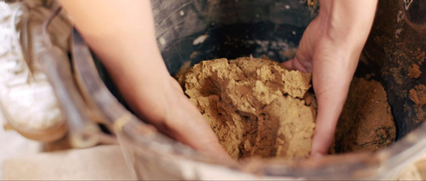 Loại gạch Ellie ra đời là sản phẩm kết hợp từ tính thiên nhiên của đất sét và tính nhân tạo của những loại phế phẩm công nông nghiệp