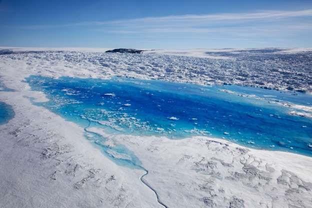 Hiện tại, tình trạng tan băng tại khu vự Greenland là nghiêm trọng nhất