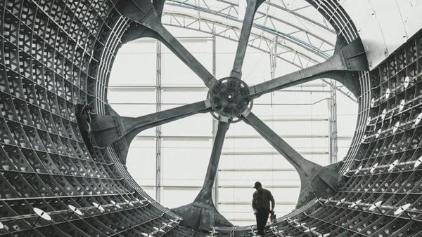 Mặt trong trục tâm SpaceX dùng để chế tạo các bộ phận bằng sợi carbon của tên lửa BFR