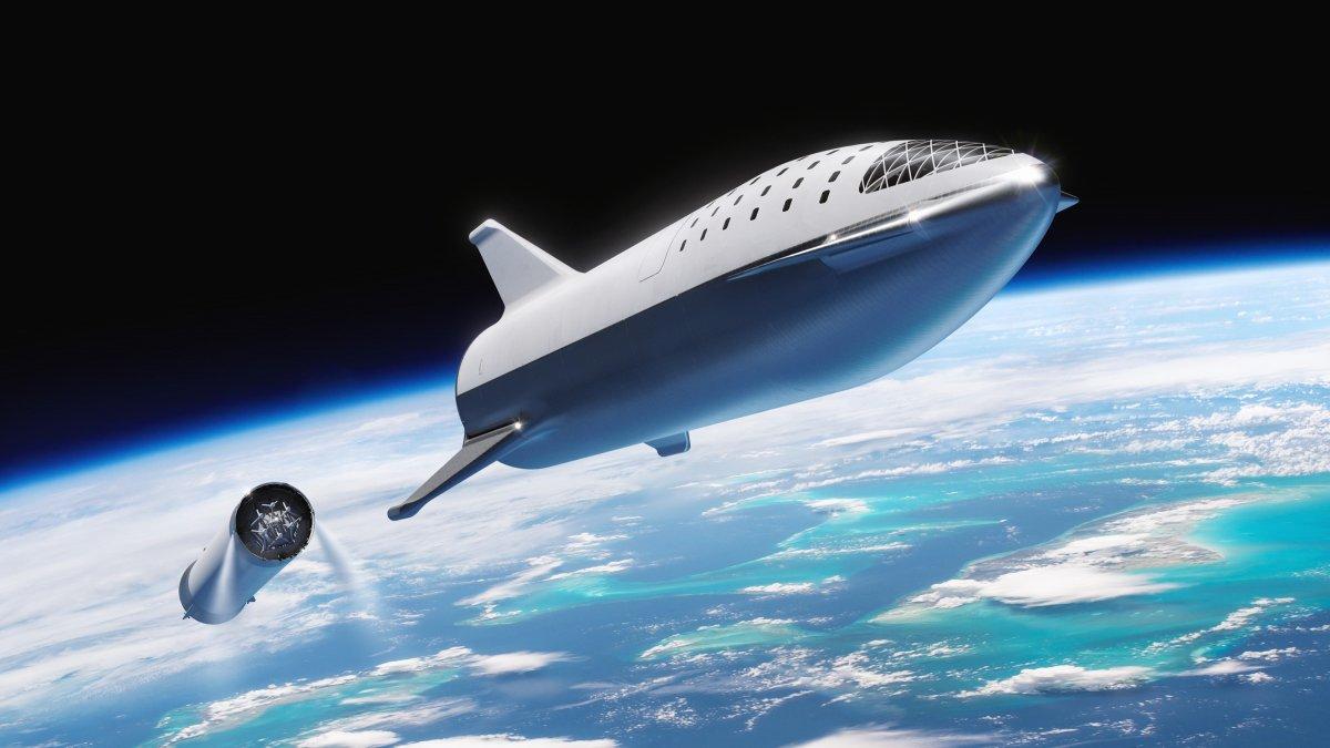 Mô phỏng Big Falcon Rocket phóng vào vũ trụ sau khi tách khỏi tên lửa đẩy