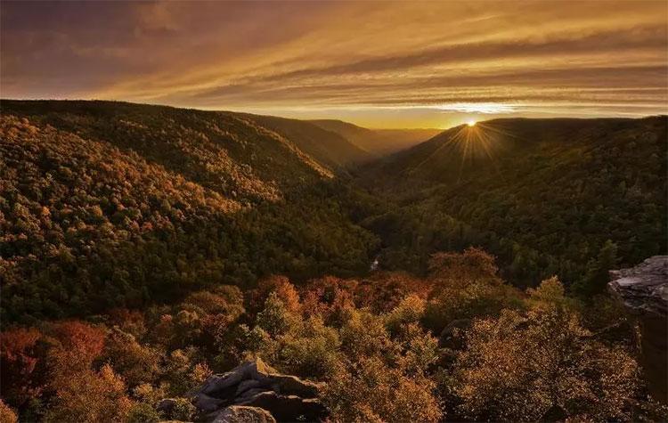 Mùa thu ở Holmes, Ohio, Mỹ có thể bắt đầu từ thượng tuần tháng 9.