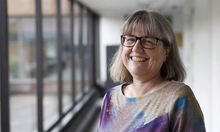 Nhà khoa học Donna Strickland người Canada.