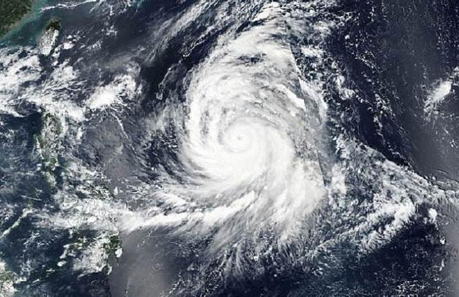 Siêu bão Kong-rey hướng về phía Nhật Bản, Đài Loan.