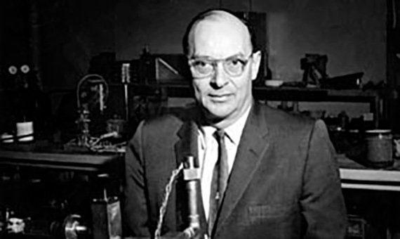 John Bardeen trong quá trình làm việc tại Phòng thí nghiệm Bell.