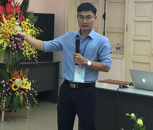ThS Dương Đức Thắng giới thiệu kết quả nghiên cứu.