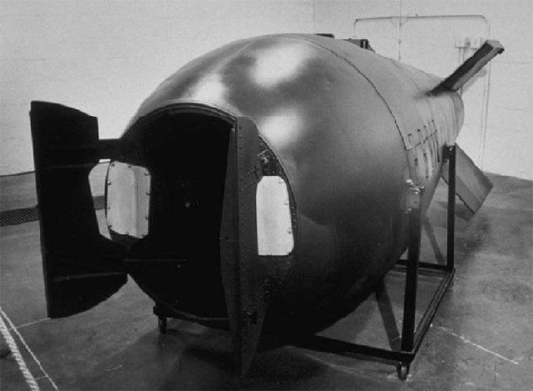 Vỏ quả bom nguyên tử Mark V.