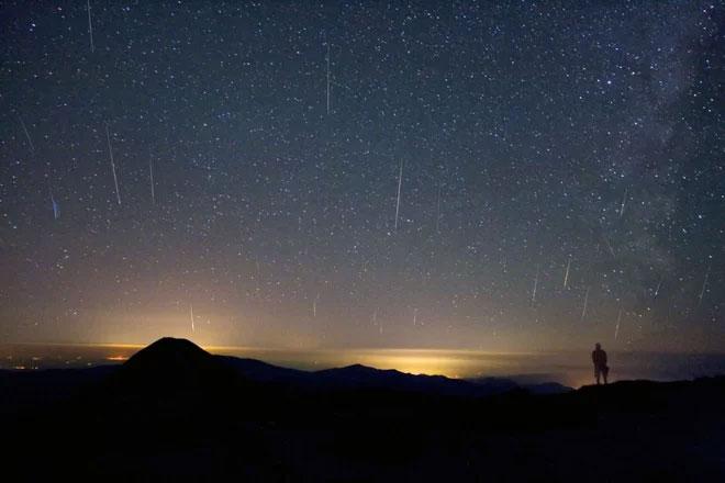 Mưa sao băng Draconid đạt cực điểm 10 vệt/giờ vào đêm mai.