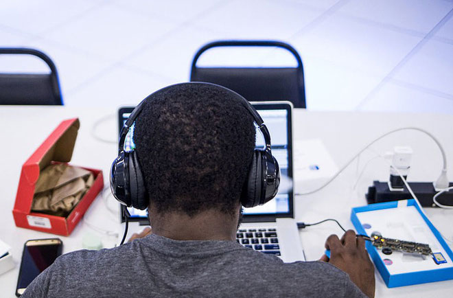 Nghe nhạc có thể ghi đè các tín hiệu thích giác lên trên các thông tin mới mà bạn cần học.