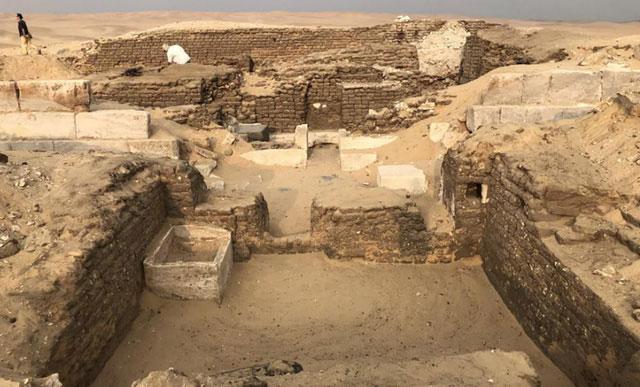 """Toàn cảnh khu lăng mộ bí ẩn Kaires – """"người bạn của vua"""", mới được phát lộ."""