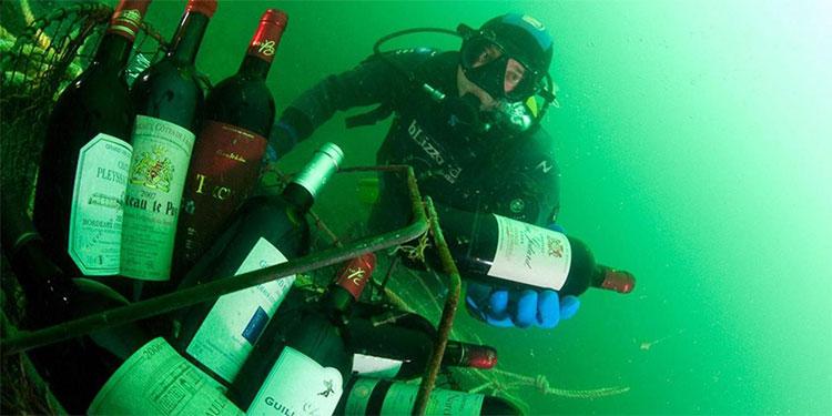 Ngâm rượu trong nước biển.