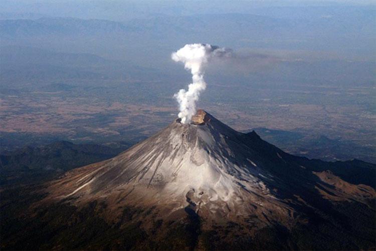 Những ngọn núi đột ngột phun trào.