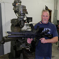 Khẩu súng độc nhất vô nhị AR-15, làm từ ba khẩu súng ghép lại thành một