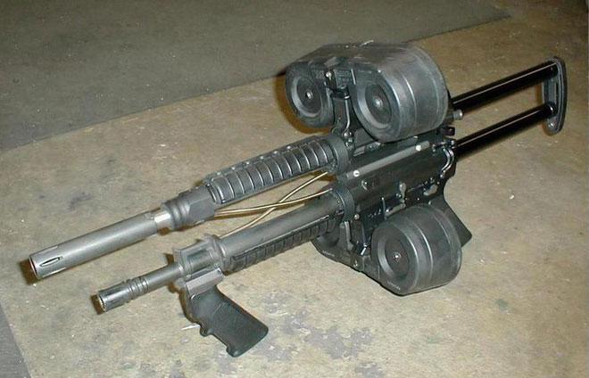 """Nguyên lý hoạt động của """"Triple AR-15"""" có lẽ vẫn giống với Siamese M16"""