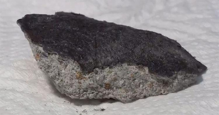 Cận cảnh thiên thạch quý giá 4,5 tỉ năm tuổi