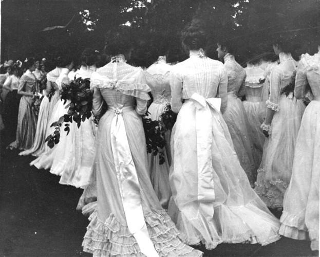 Hình ảnh một buổi lễ tốt nghiệp năm 1895