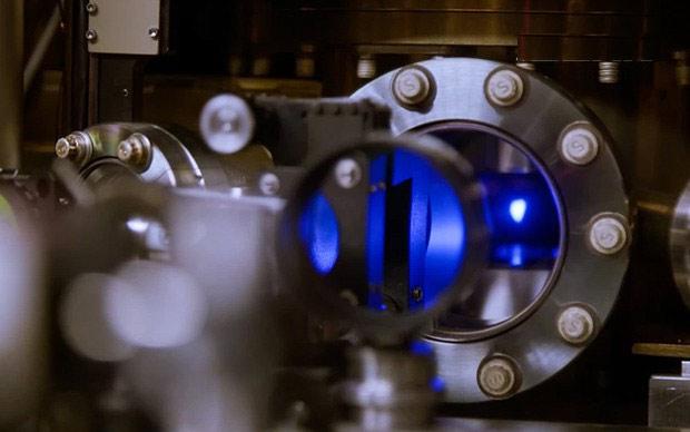 Càng đào sâu tìm hiểu thời gian trong thế giới nguyên tử, ta lại càng thấy các khả năng dường như là vô tận