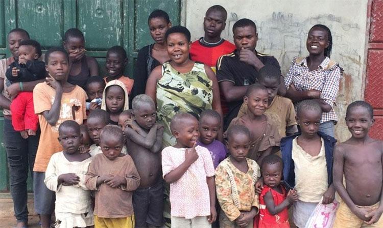 Mariam mơ ước có 6 người con nhưng tới lần sinh thứ 6 đã có tới 18.