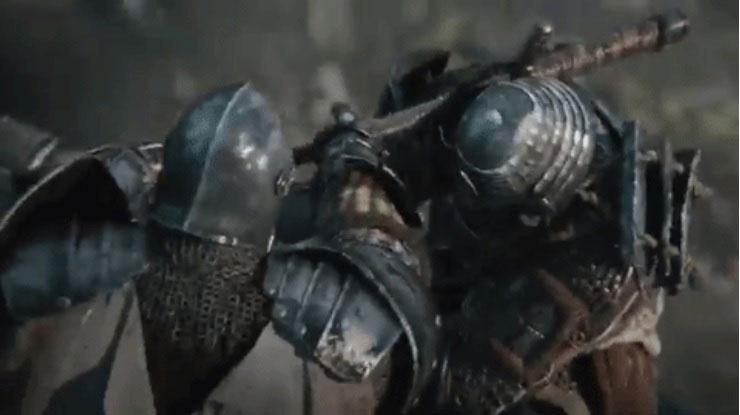 """Đòn """"chẻ củi"""" bằng kiếm."""