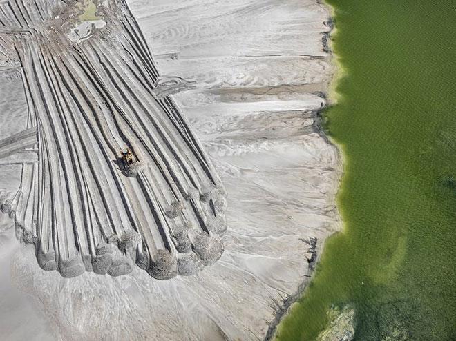 Vệt Phosphor gần hồ Lakeland, Florida, Mỹ năm 2012.