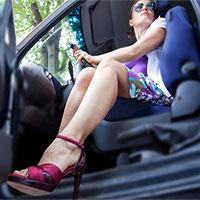 Tại sao giày cao gót lại là thủ phạm gây ra những vụ tai nạn thương tâm trên đường phố?