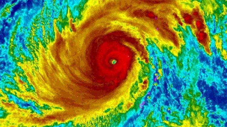 Yutu biến từ bão cấp 1 lên thành bão cấp 5 chỉ trong vòng 24 giờ.