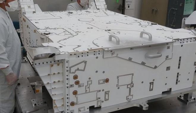 Tàu sẽ tiếp tục được đưa vào trong buồng chân không sau quá trình sơn