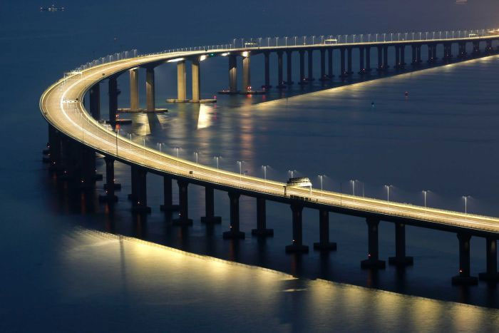 Một phần phía Hong Kong của cây cầu vượt biển dài nhất thế giới.