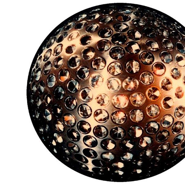 Theo cách tính của Kepler, khối lượng Trái đất chính xác 5,972 x 10^24kg.
