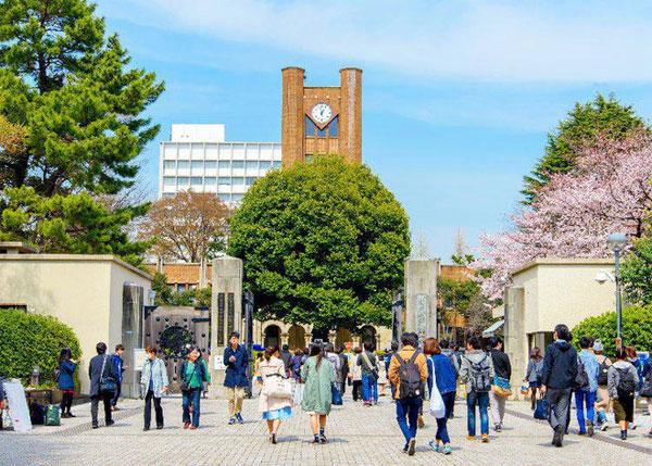 Trẻ em Nhật Bản đã được dạy phải giao nộp của rơi, đừng nảy sinh lòng tham.