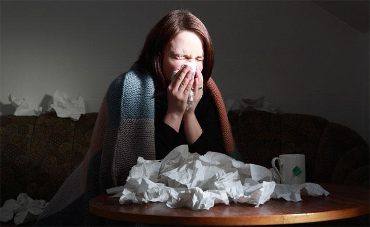 Thói quen xì mũi khi bị cảm của bạn có thể là nguyên nhân khiến bệnh cúm lan truyền.