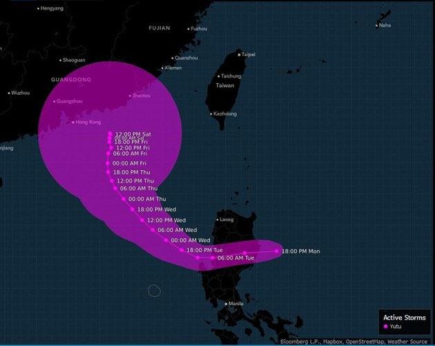 Sau Philippines, Yutu được dự báo sẽ đi theo hình vòng cung lên phía Bắc, đổ bộ vào Quảng Châu, Trung Quốc. (