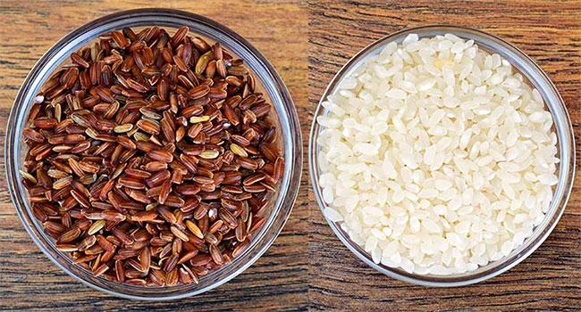 Người ăn gạo lứt có cảm giác no lâu hơn, lượng đường trong máu không tăng.