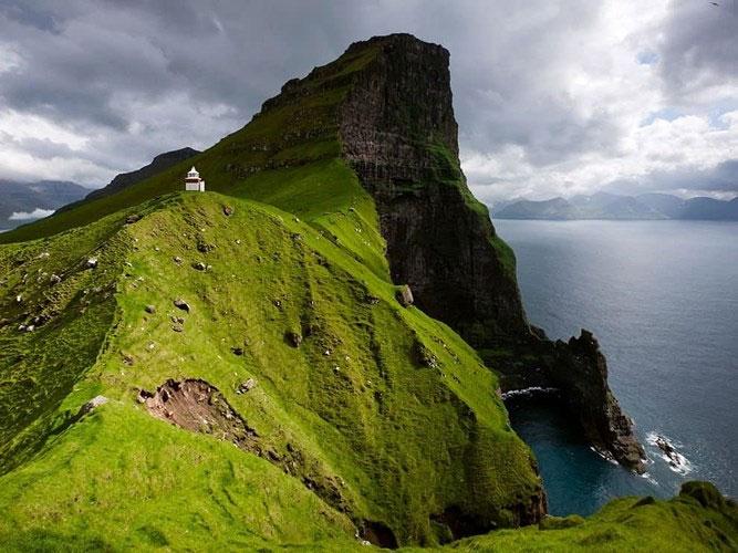 Quần đảo Faroe, Đan Mạch, nằm giữa Na Uy và Iceland