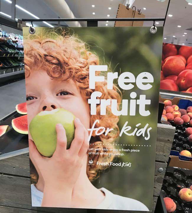 Trái cây miễn phí cho trẻ em
