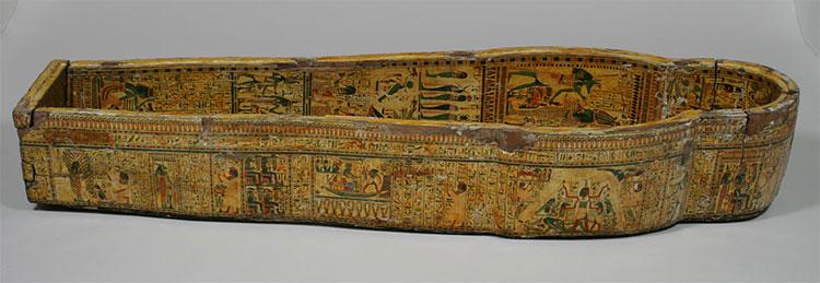 Quan tài của người Ai Cập thời cổ đại còn được trang trí với những hình ảnh của các vị thần.