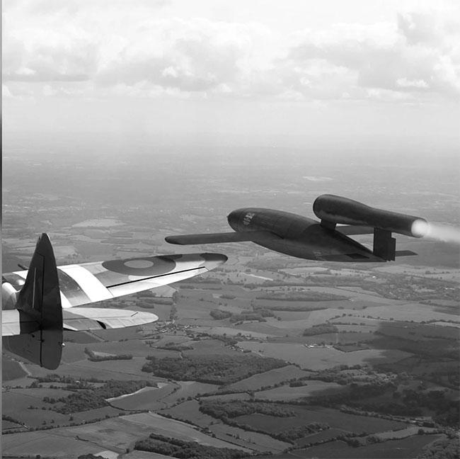Mỗi chiếc V1 mang đầu đạn nặng tới 850kg và có thể bay xa 240km.