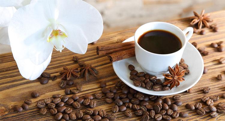 Món cà phê lạnh thua kém thức uống nóng về độ hữu ích đối với cơ thể người uống.