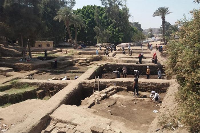 Các phiến đá được tìm thấy tại vùng Matariya, Cairo