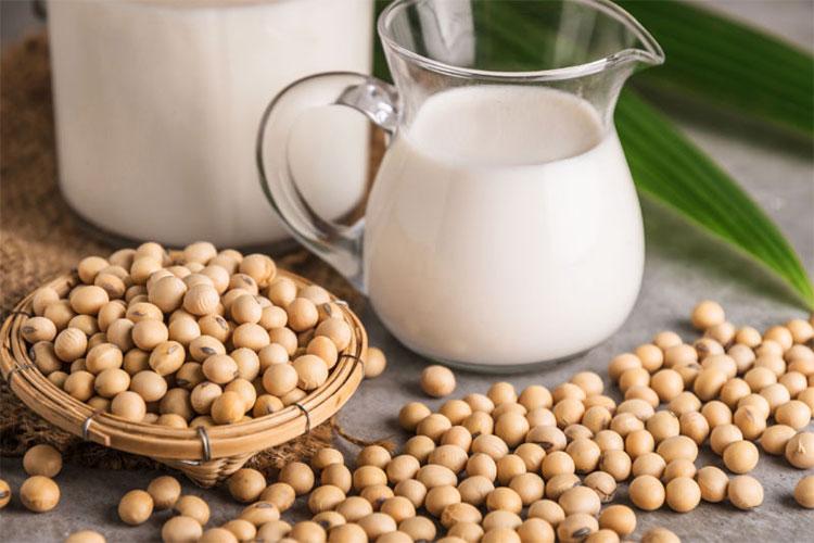 Sữa đậu nành có thể dùng mọi lúc trong ngày vì nó ít khi có tác dụng phụ.