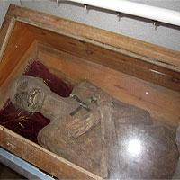 Bí ẩn xác chết 300 năm không phân huỷ