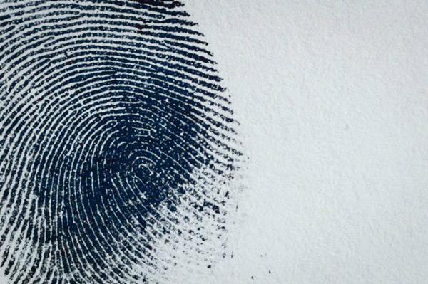 Dấu vân tay và mẫu ADN của công dân có thể đã được lưu lại