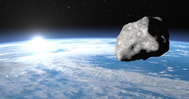 Một tiểu hành tinh di chuyển tới gần Trái Đất