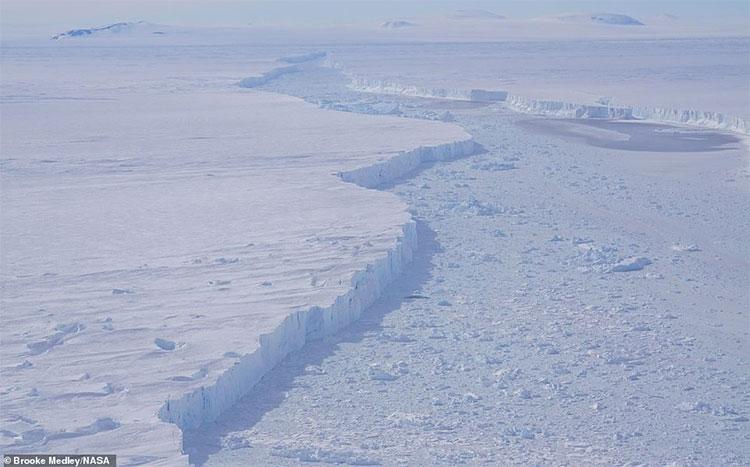 Theo NASA, tảng băng khổng lồ này có thể không tồn tại lâu.