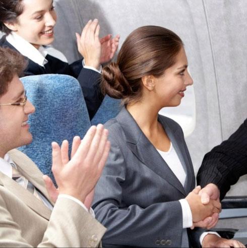 Vỗ tay khi máy bay hạ cánh