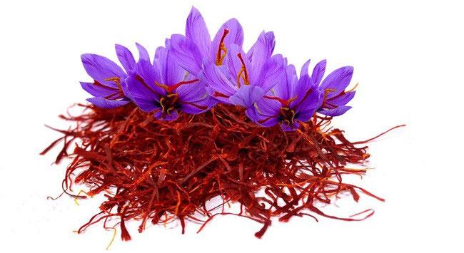 Nữ hoàng Ai Cập Cleopatra cũng thường xuyên sử dụng saffron